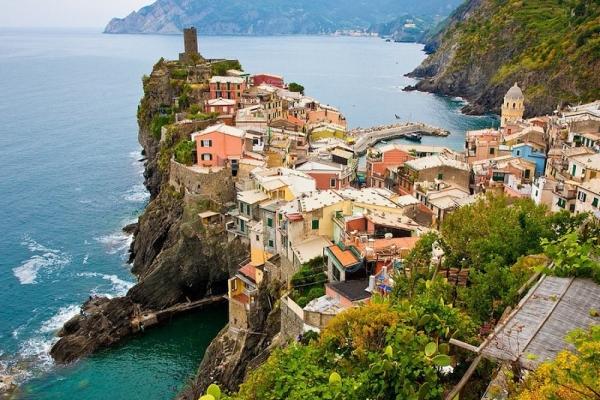 123familyhotels-italy-toscana-cinque-terre-coast-town40D98DBE-FC42-7231-BC00-F80055FD357D.jpg